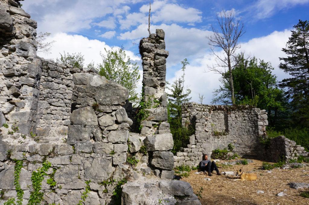 Ruine der Kirche von St. Kanzian